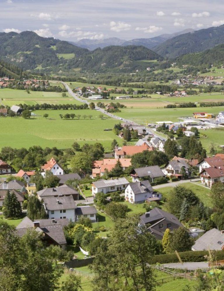 Die Aufnahmen erfolgten vom Berg und den Felsen östlich von Rothenthurm (Galgentraten)
